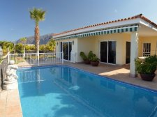 Villa, Playa de la Arena, Santiago del Teide, Property for sale in Tenerife: 990 000 €