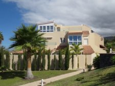 Villa, Costa Adeje, Adeje, Property for sale in Tenerife: 950 000 €