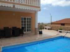 Villa, Los Olivos, Adeje, Property for sale in Tenerife: 735 000 €