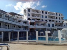 Two Bedrooms, Los Cristianos, Arona, Tenerife Property, Canary Islands, Spain: 120.750 €