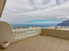 Three bedrooms, Los Gigantes, Santiago del Teide, Property for sale in Tenerife: