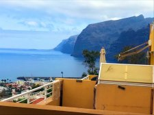 One bedroom, Los Gigantes, Santiago del Teide, Property for sale in Tenerife: 139 000 €
