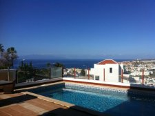 Villa, San Eugenio Alto, Adeje, Property for sale in Tenerife: 950 000 €