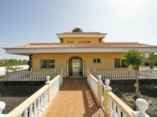 Villa, Buzanada, Arona, Property for sale in Tenerife: 580 000 €