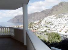 Трёхкомнатная, Los Gigantes, Santiago del Teide, Продажа недвижимости на Тенерифе 350 000 €