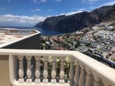 Трёхкомнатная, Los Gigantes, Santiago del Teide, Продажа недвижимости на Тенерифе 450 000 €