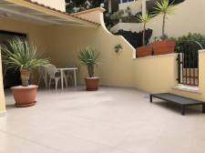 Two Bedrooms, Torviscas Alto, Adeje, Property for sale in Tenerife: 315 000 €