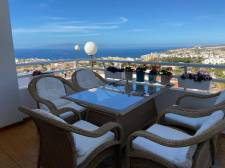 Three bedrooms, San Eugenio Alto, Adeje, Property for sale in Tenerife: 280 000 €