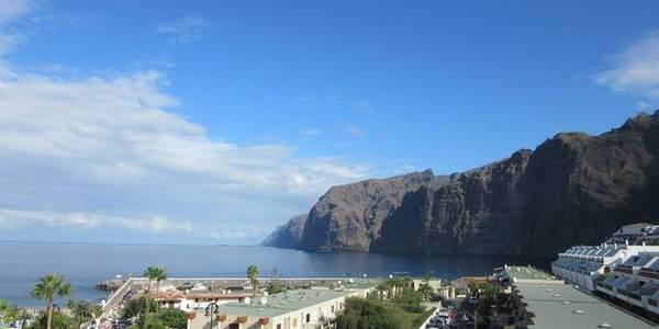 Santiago del Teide, Los Gigantes