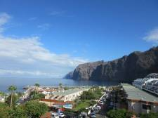 Two Bedrooms, Los Gigantes, Santiago del Teide, Property for sale in Tenerife: 215 000 €