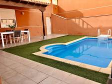 Вилла (таунхаус), Los Cristianos, Arona, Продажа недвижимости на Тенерифе 536 000 €