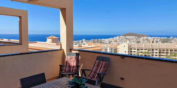 The Heights, Los Cristianos